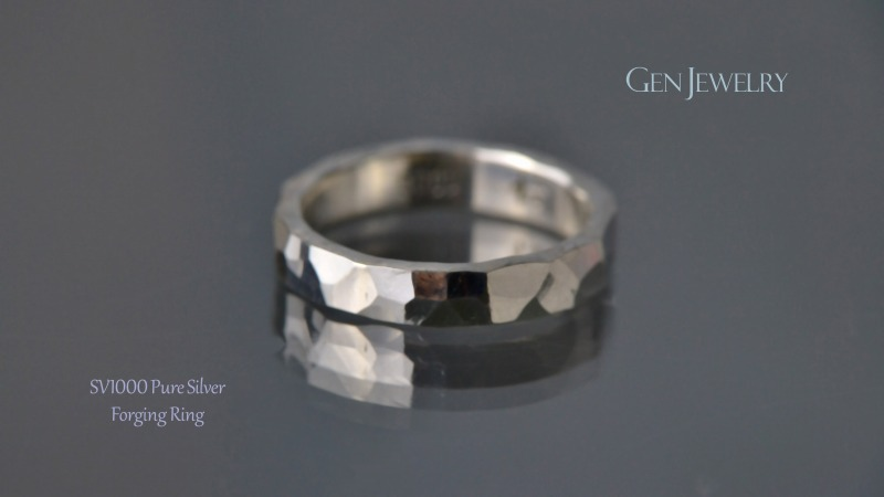 叩き締めて作ったPureSilver Forging Ring(B)-2