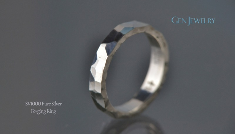 叩き締めて作ったPureSilver Forging Ring(B)-3