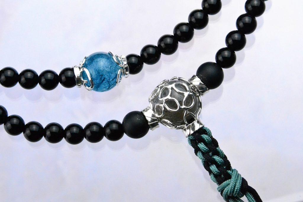 オニキスの精悍な華数珠-1